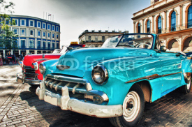 Fototapety Vintage classic american car parked in a street of Old Havana