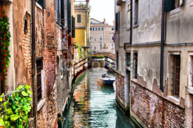 Fototapety Quaint canal in historic Venice (with HDR processing)