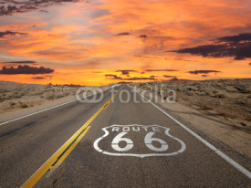 Obrazy i plakaty Route 66 Pavement Sign Sunrise Mojave Desert