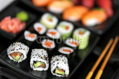 assortiment de makis & sushis