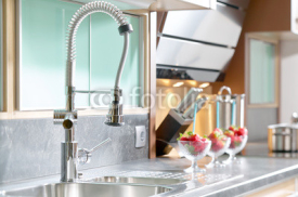 Obrazy i plakaty Professional single lever faucet in modern kitchen