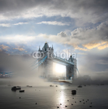 Fototapety Tower Bridge with fog in London, England