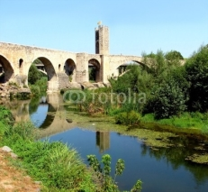 Obrazy i plakaty besalu and  bridge constructed by romans