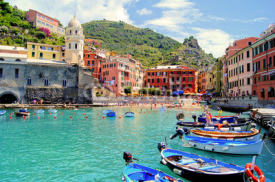 Obrazy i plakaty Colorful harbor at Vernazza, Cinque Terre, Italy