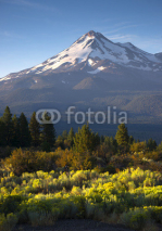 Naklejki Sunrise Light Hits Mount Shasta Cascade Range California