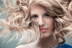 Fototapety fashion portrait curly blonde