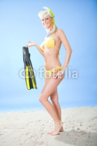 Obrazy i plakaty Beautiful young woman in bikini with snorkel