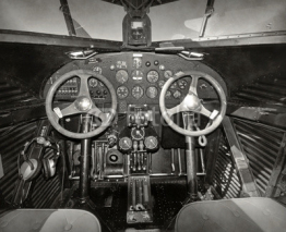 Fototapety Old airplane cockpit