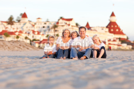 Naklejki Happy Caucasian Family in Front of Hotel Del Coronado