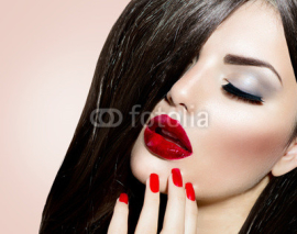 Fototapety Sexy Beauty Girl with Red Lips and Nails. Provocative Make up