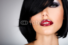 Fototapety Beautiful brunette woman with shot hairstyle and sexy red lips