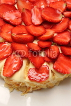 Naklejki yummy strawberry cake melting.