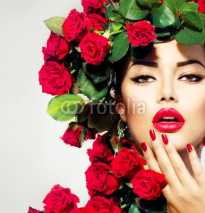 Fototapety Beauty Fashion Model Girl Portrait with Red Roses Hairstyle